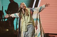 Lauren Daigle Performs on American Idol