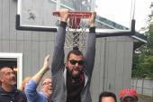 Tyler Farr 'Hangs' With Country Radio Friends