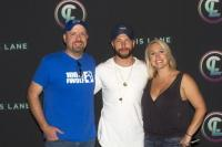 Chris Lane Howls Through Kansas City