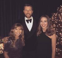 Brett Eldredge And WBWL/Boston Make New York City 'Glow'
