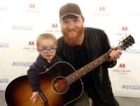 Eric Paslay Visits Monroe Carell Jr. Children's Hospital