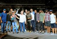 Kenny Chesney Soars With The Eagles In Philadelphia