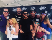 Chris Janson Creates 'Good Vibes' With Radio Friends