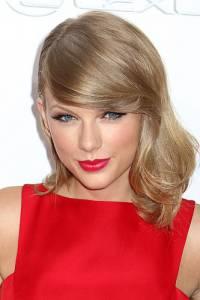 TaylorSwiftJStoneShutterstock.jpg